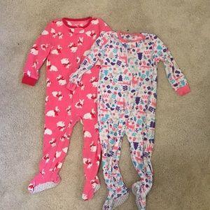 Like NEW Carters 2T fleece footed pajama onesies